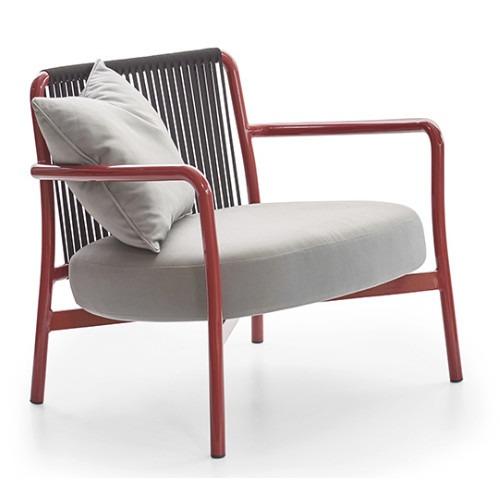 True lounge chair